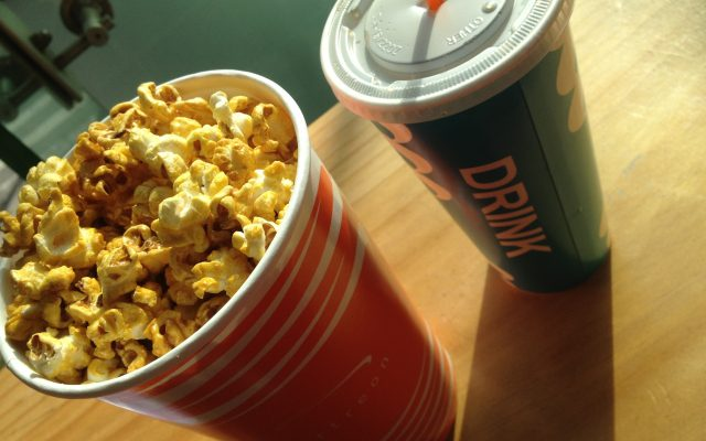 映画館に行ったら絶対ポップコーン食べたくなるのをどうにかした